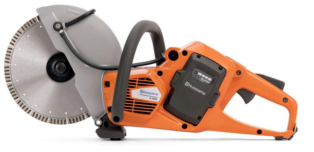 Leichter Akku-Trennschleifer Husqvarna K 535i mit geringen Vibrationen, der benutzerfreundlich und ergonomisch ist.
